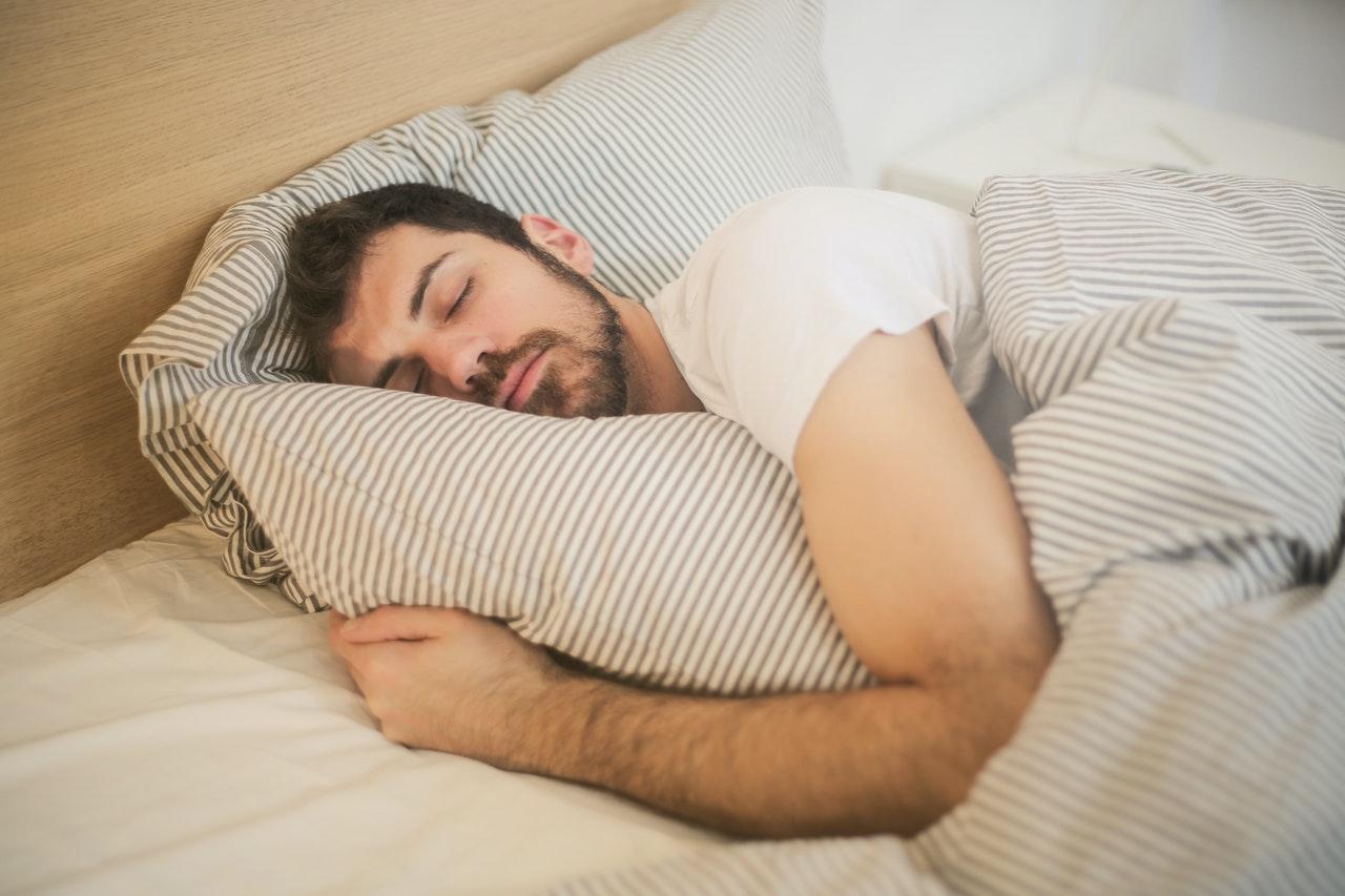 打鼻鼾的人有可能患有睡眠窒息症